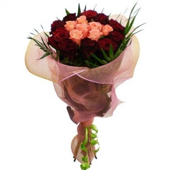 Bouquet of pink and red roses 60 cm
