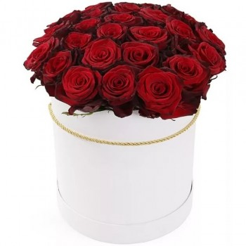 25 red roses in cylinder shape hat box